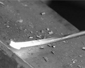 五寸釘によるペーパーナイフの作り方の作り方③